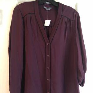 VINCE Women's Silk Button up blouse Size Medium